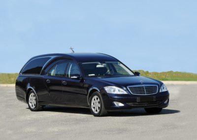 Mercedes Limousine Blu 4 porte