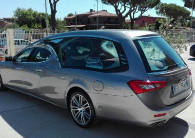 Mercedes Limousine argento metallizzato 4 porte